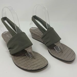 Donald J Pliner | Dasan Wedge Thong Sandals | Size